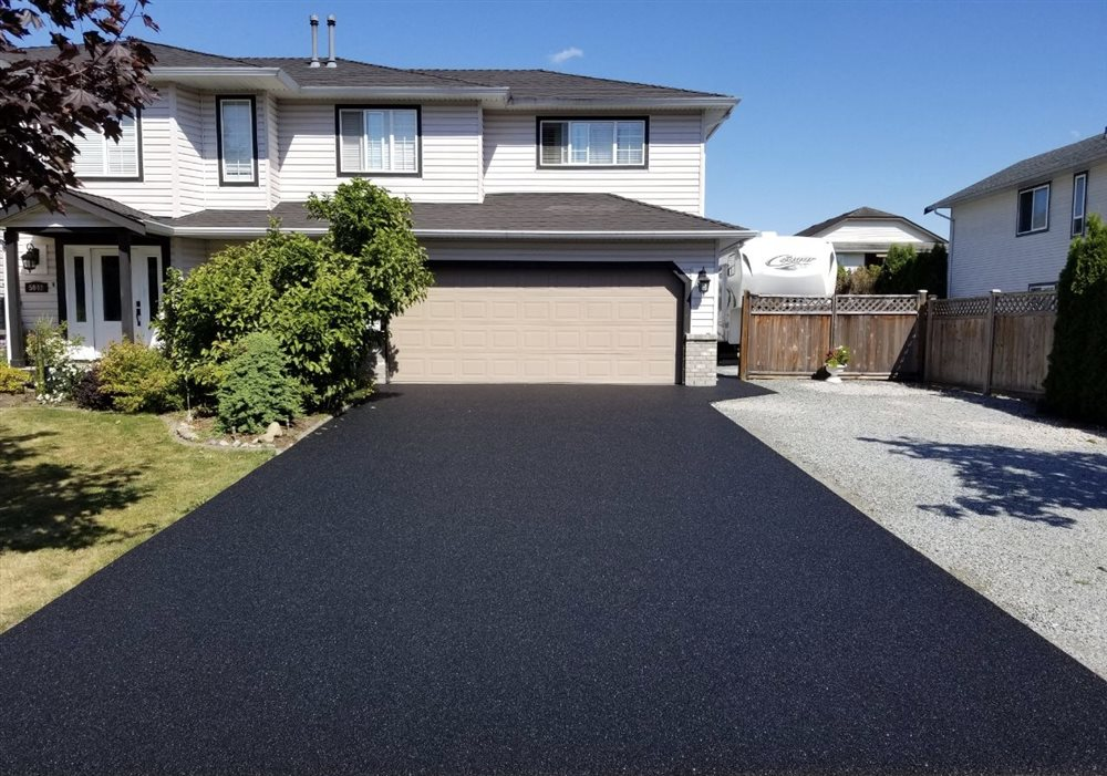 How Rubber Resurfaced Driveways Can Increase Your Home's Resale Value